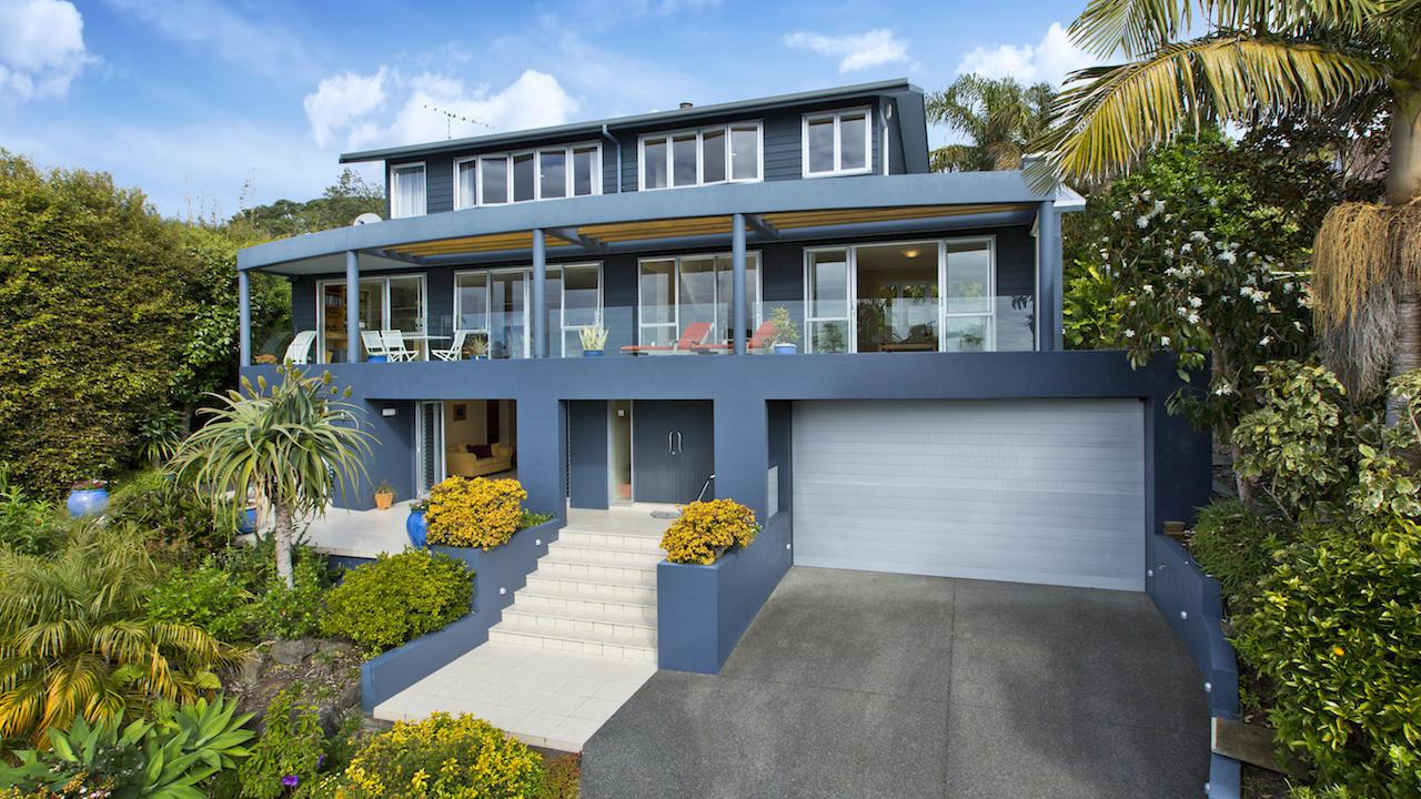The ultimate address 34 chelverton terrace red beach for Terrace address